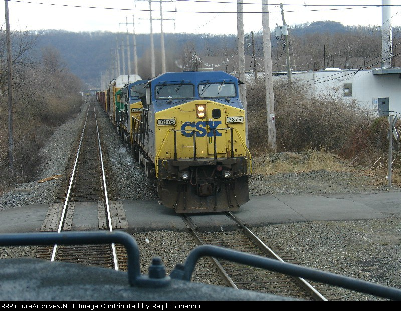 Q402 northbound on the controlled siding just noth of CP-33