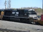 NS SD70M-2 vists briefly on run through train Q119-26