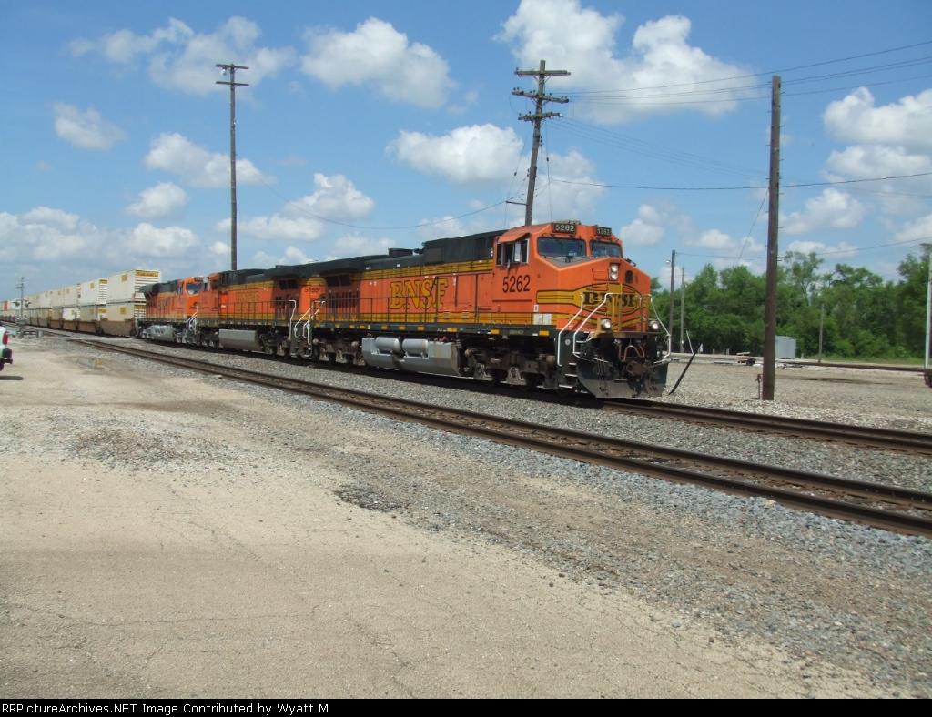 BNSF 5262