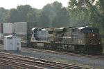 CSX 5290 & 7638 stack train head south