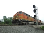 BNSF 5111 pass by the eastbound Wesley signal