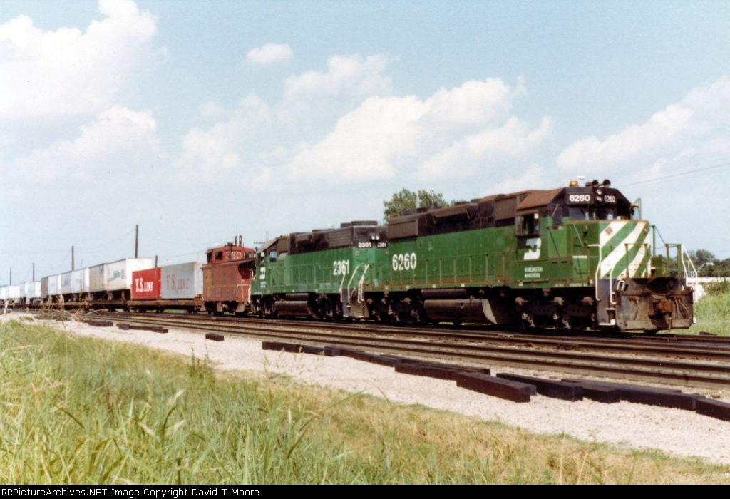 BN 6260 and 2361 work the hump