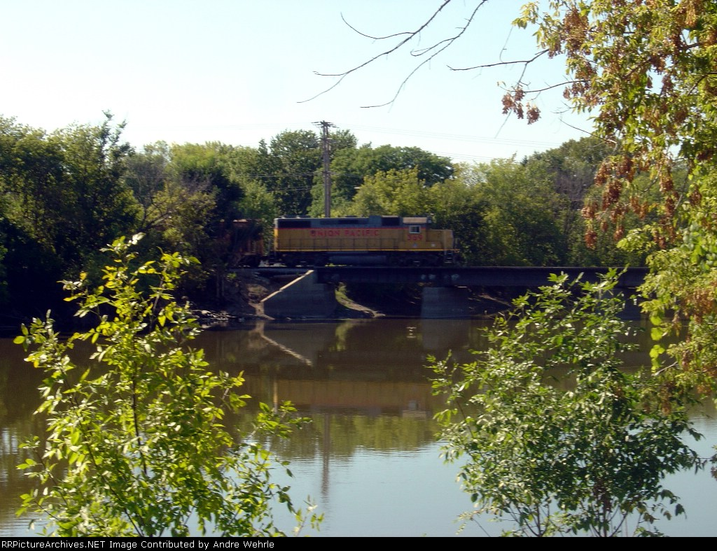UP 369 crossing the Rock River heading back northbound