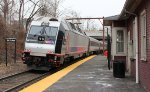 Train 726 departs New Providence