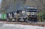 NS 7002 is the lead power for NS 204 Northbound