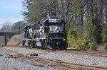 NS 4657 an slug 614 make a light engine move back to CLT yard as P43