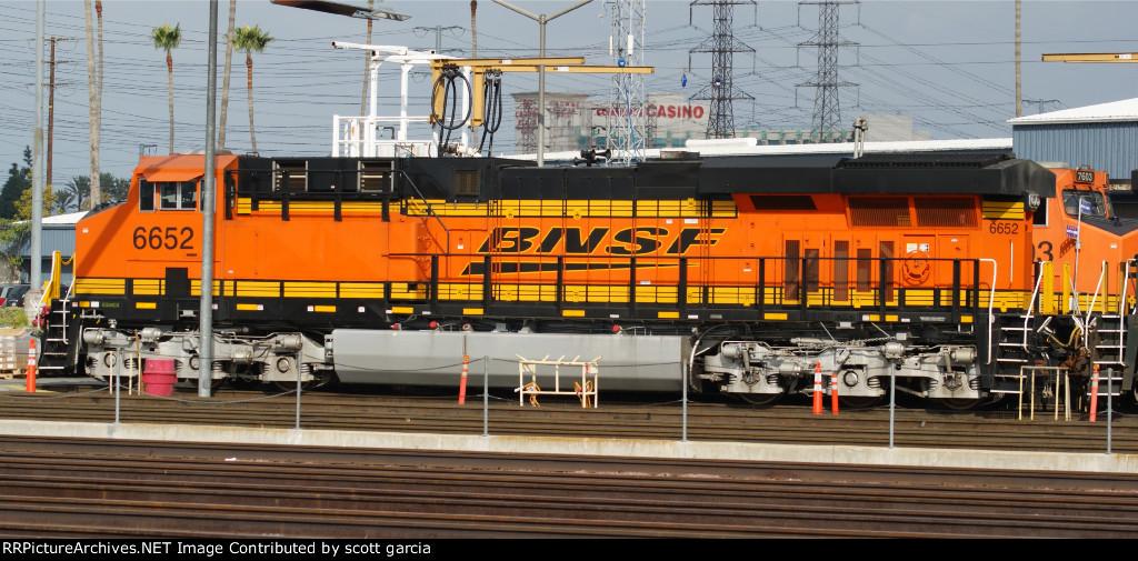 BNSF 6652