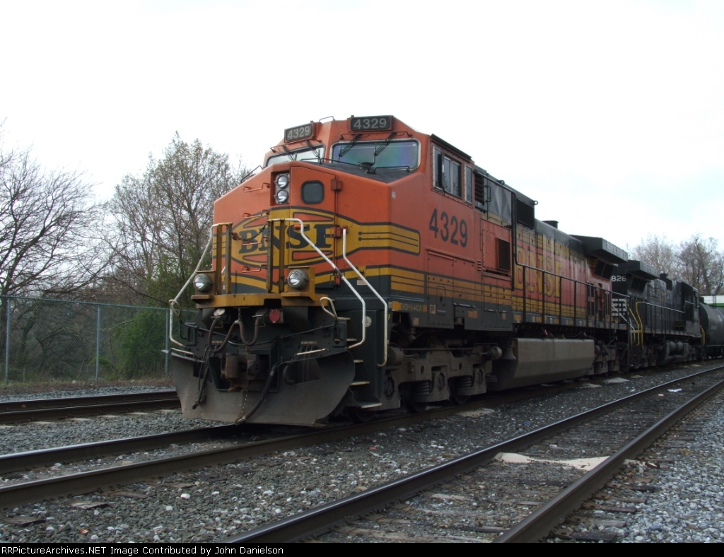 BNSF #4329 (9-44CW)