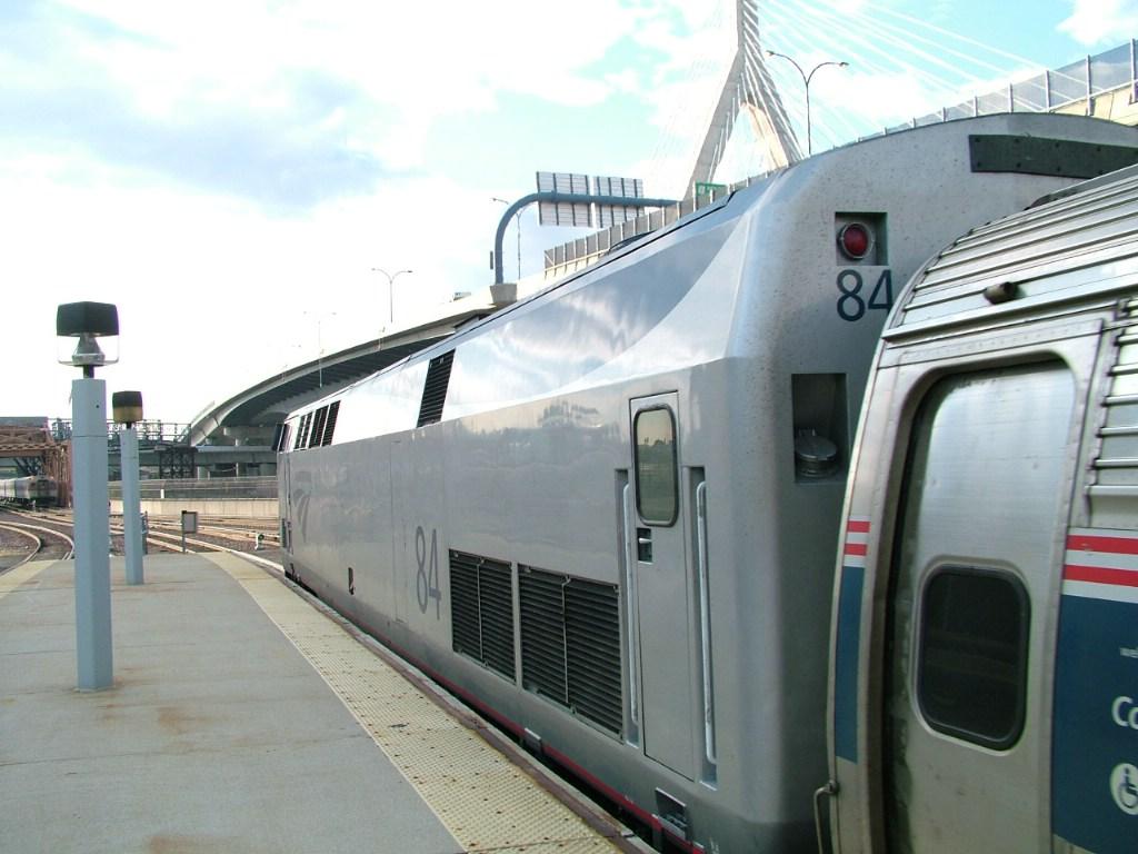 AMTK 84 departing for Portland