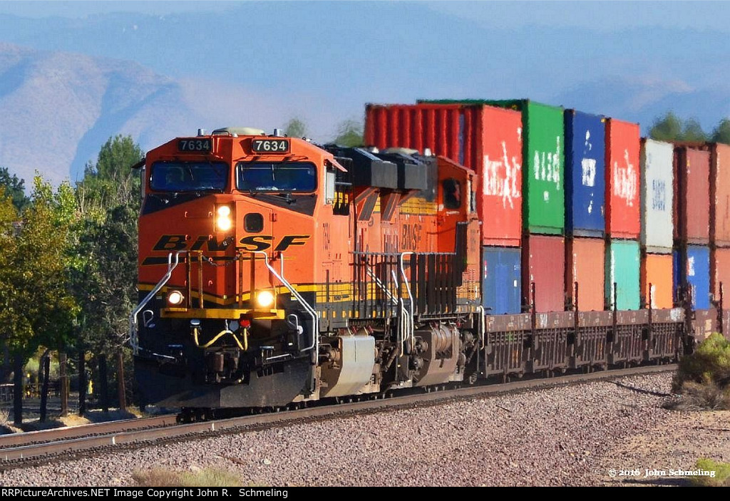 BNSF 7634