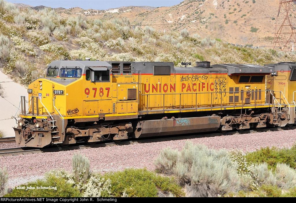 UP 9787 ex CNW 8683 (C44-9W) at Cajon CA. 7/10/2010