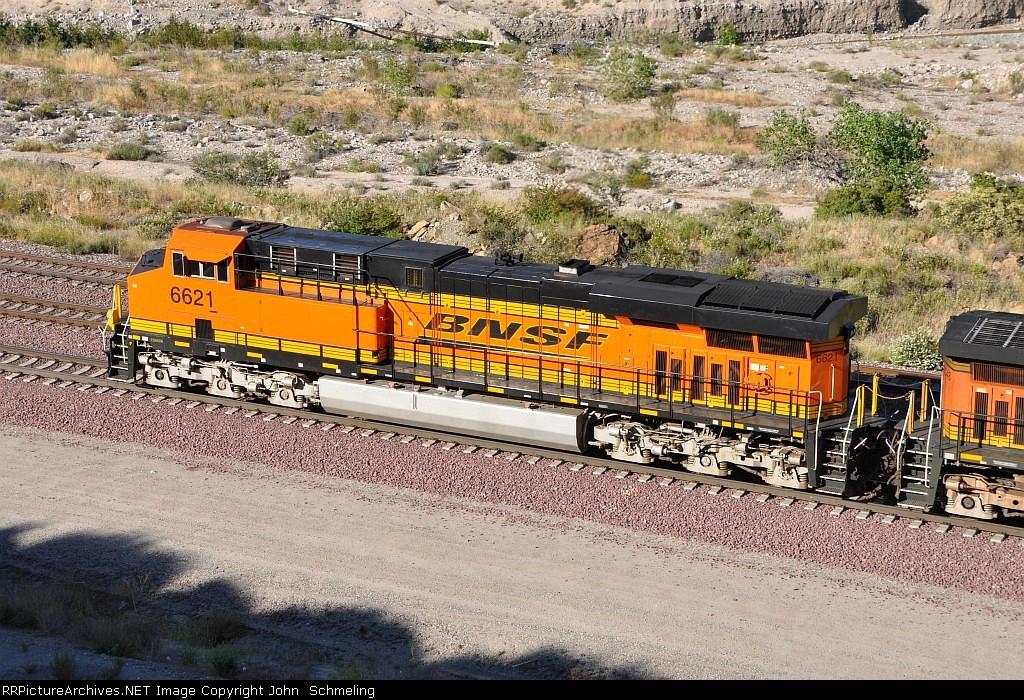 BNSF 6621 (ES44C4) at Keenbrook-Cajon Pass, CA. 6/19/2010