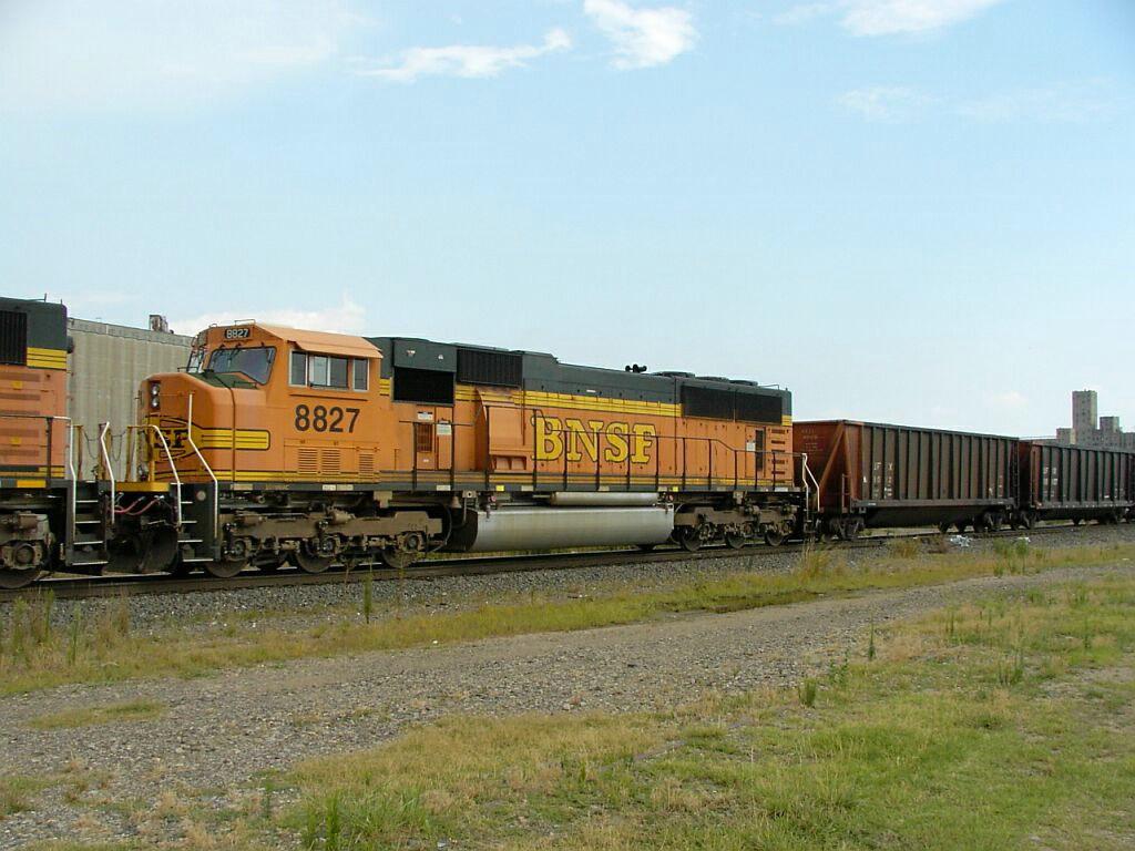 BNSF 8827