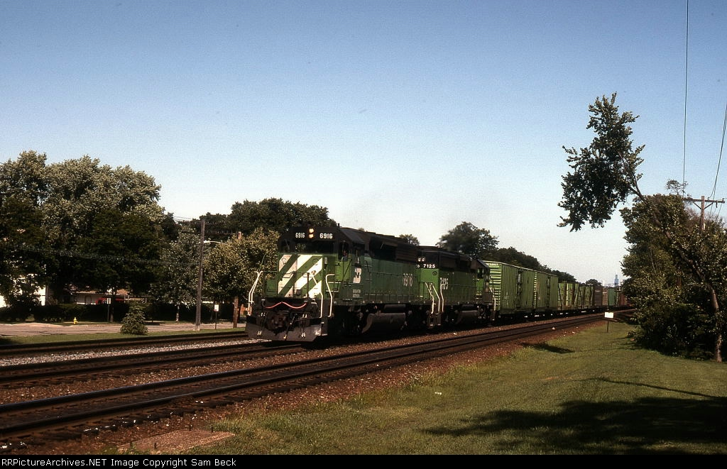 BN 6816 and 7175 on #107