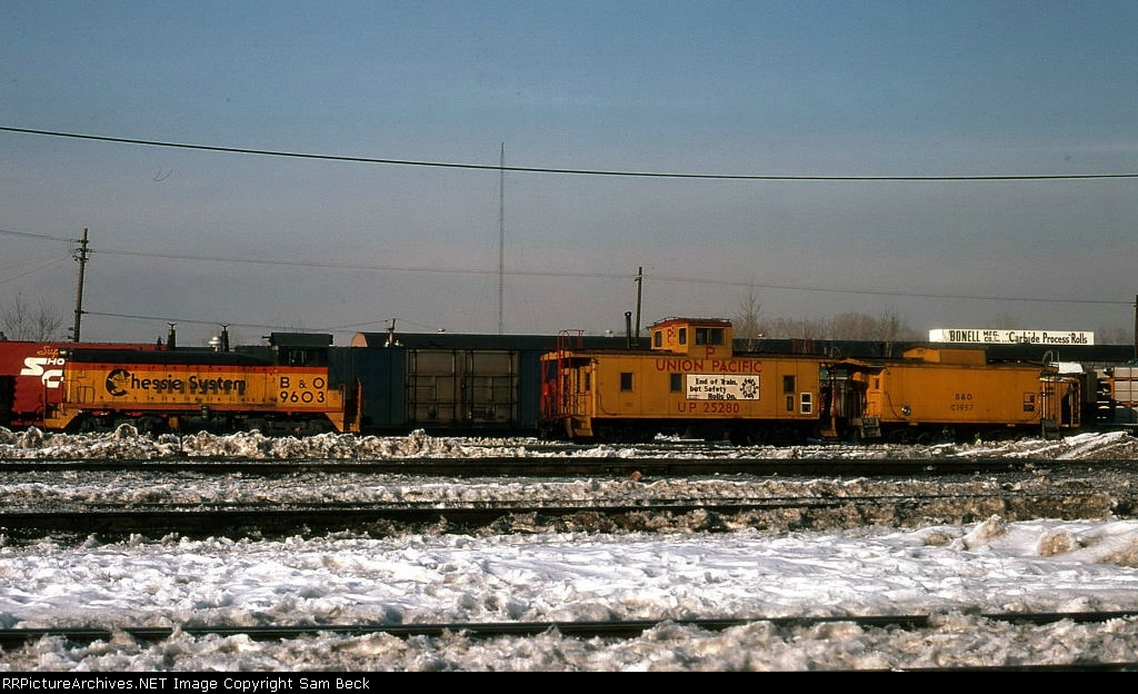 B&O 9603 with UP 25280 and B&O C1957