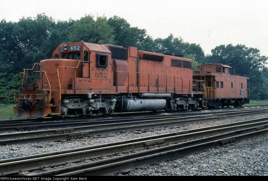 EJ&E 652 and 536