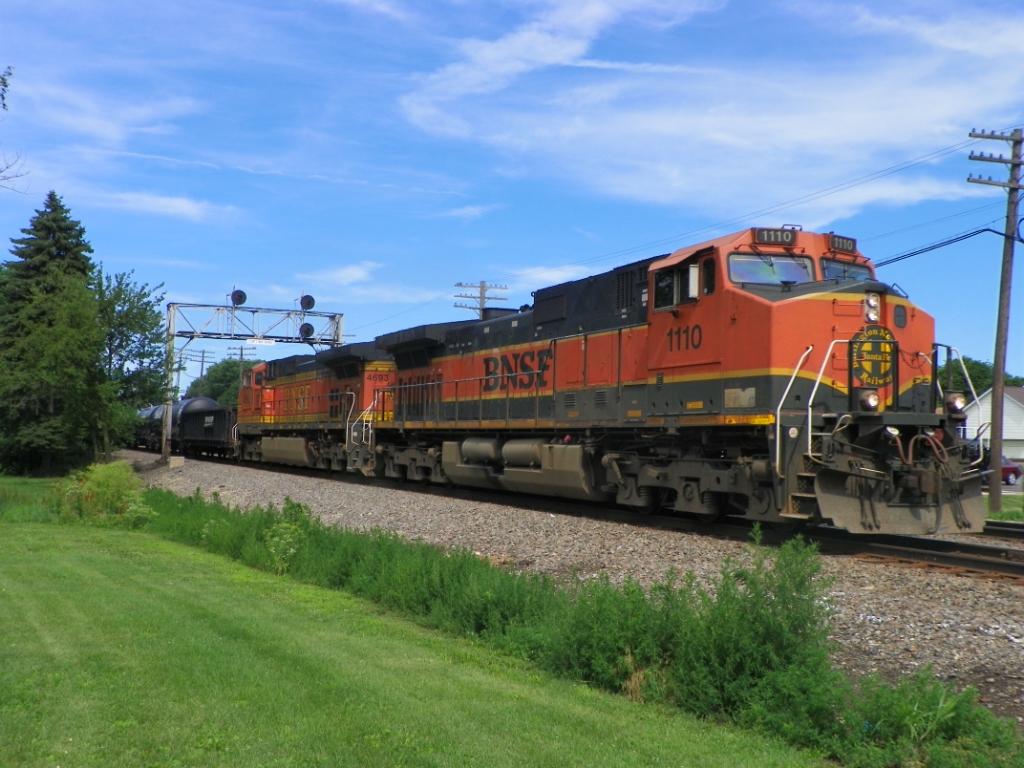BNSF 1110 BNSF 4693