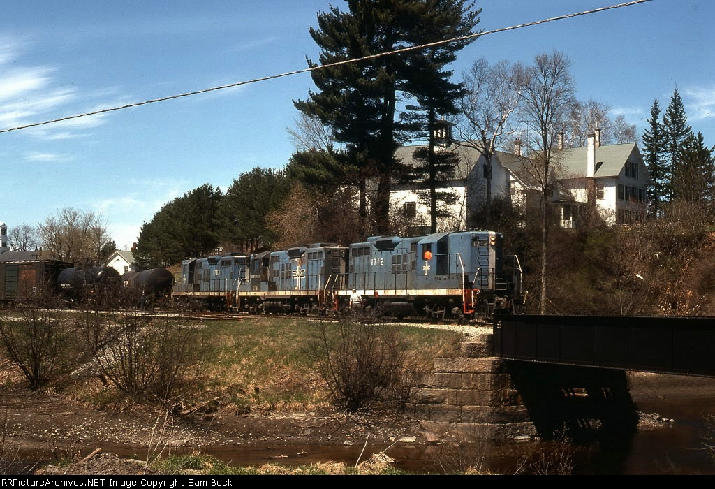 B&M 1712, 1746, and 1703 on #4301