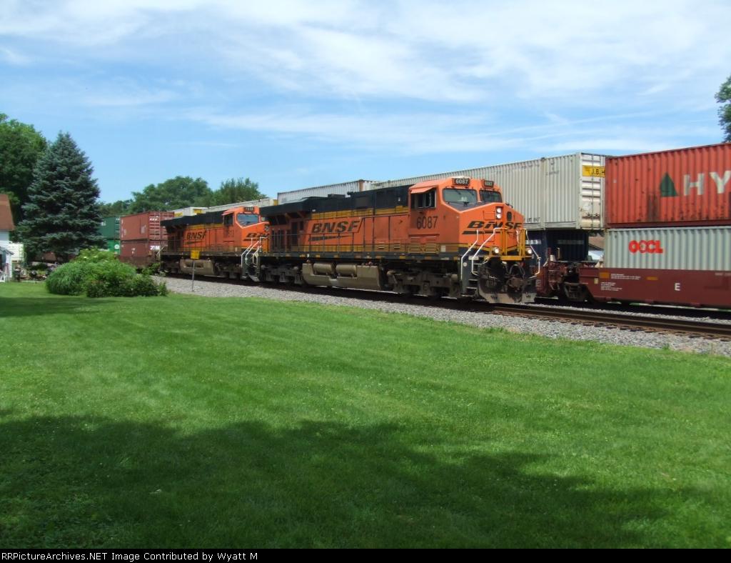 BNSF 6087
