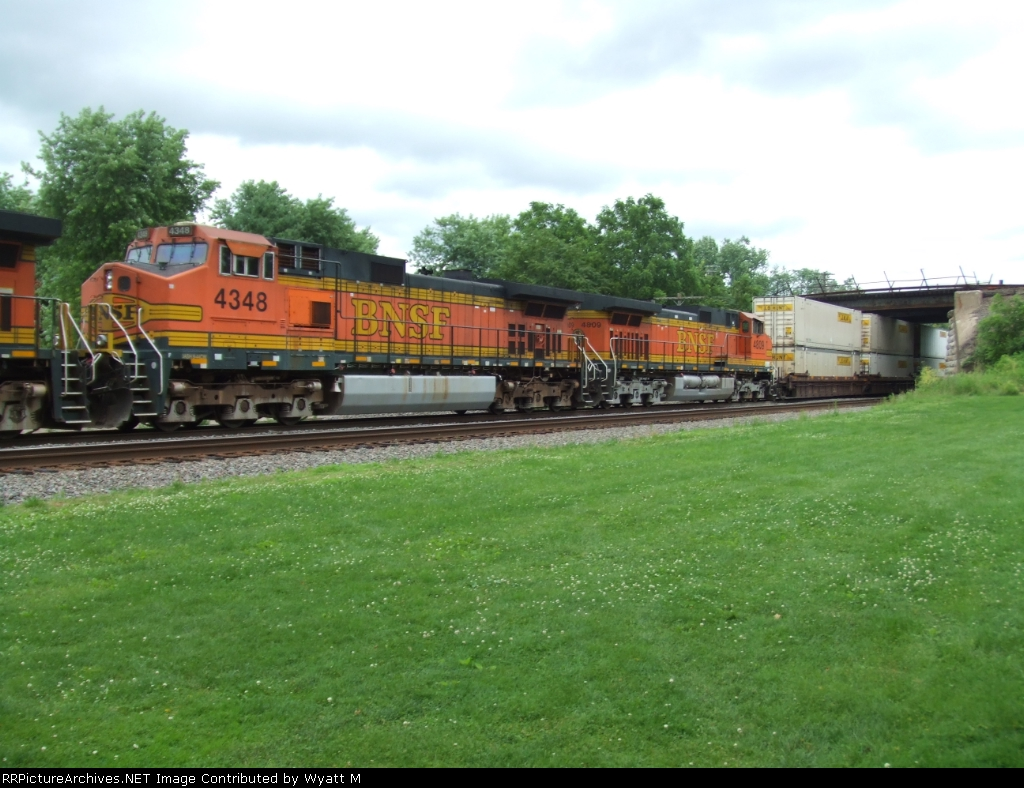 BNSF 4348 and 4809