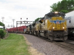 UP 8540 leads eastbound stacks out of Global 3