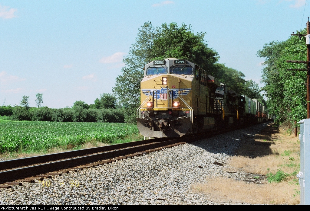 UP 5299 and NS 8375