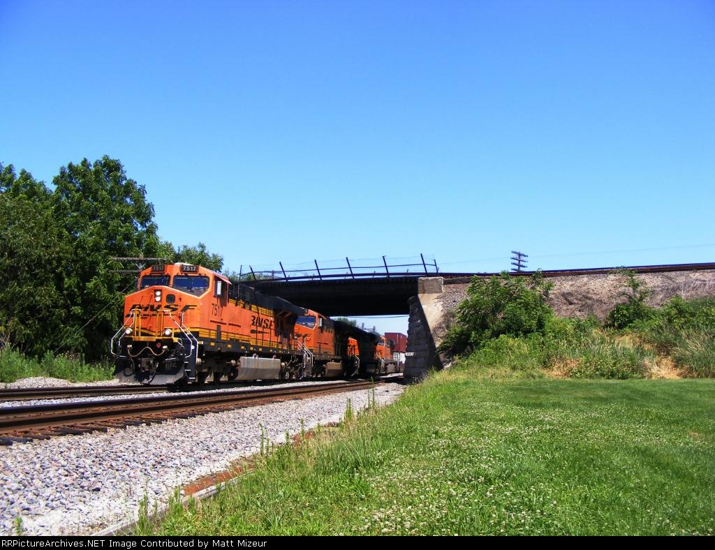 BNSF 7517