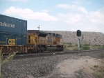 UP 8663 rear DPU on an EB autorack/doublestack (ZLAMN-08) at 9:34am
