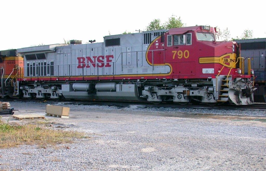 BNSF 790 in the CSX yard