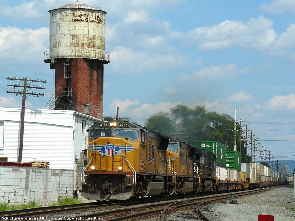 UP 4753 NS 213