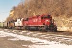 Eastbound grain train rolls through Hoffman