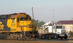 BNSF 8725 Races the Mow Truck
