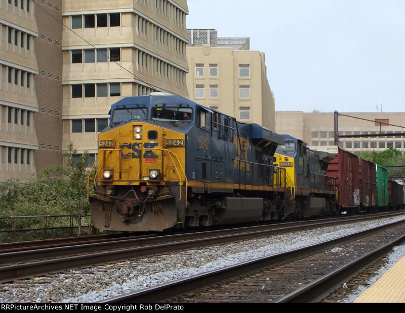 CSX 5242 and 7345 at L'Enfant