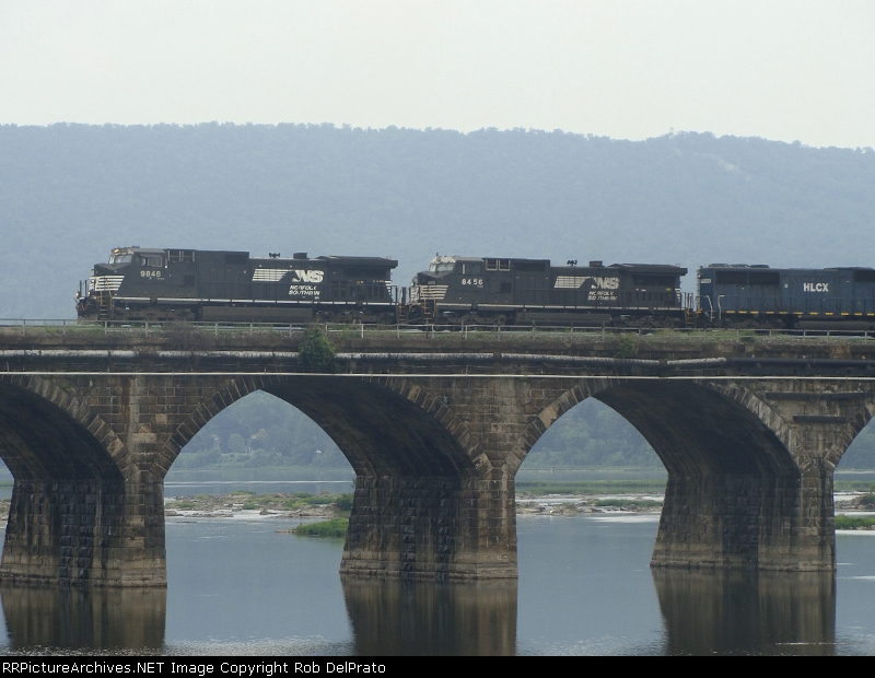 NS 9848, 8456, and HLCX 5991 at the Rockville Bridge