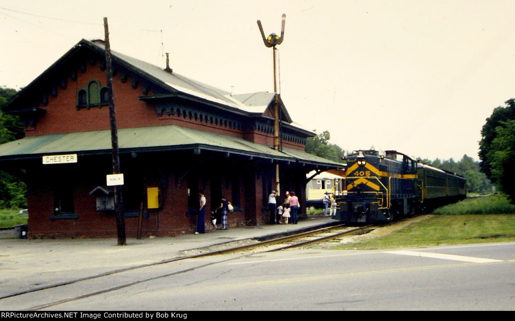 The Green Mountain Flyer calls at Chester Depot