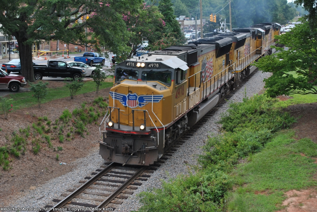 A Trio of Union Pacific SD70Ms Lead Q676 at Waxhaw