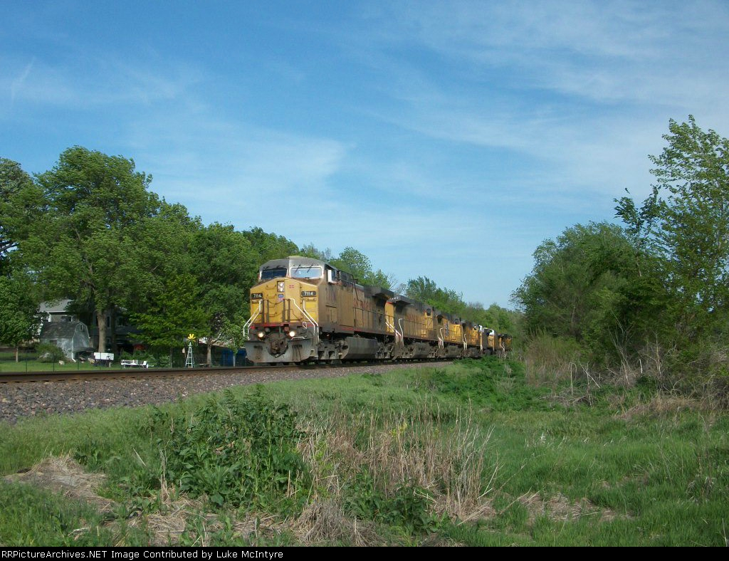 UP 7114 westbound UP engine train
