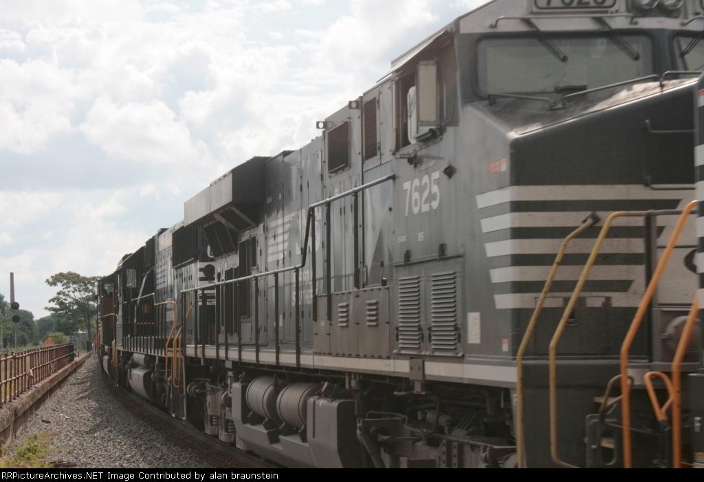 NS 7625