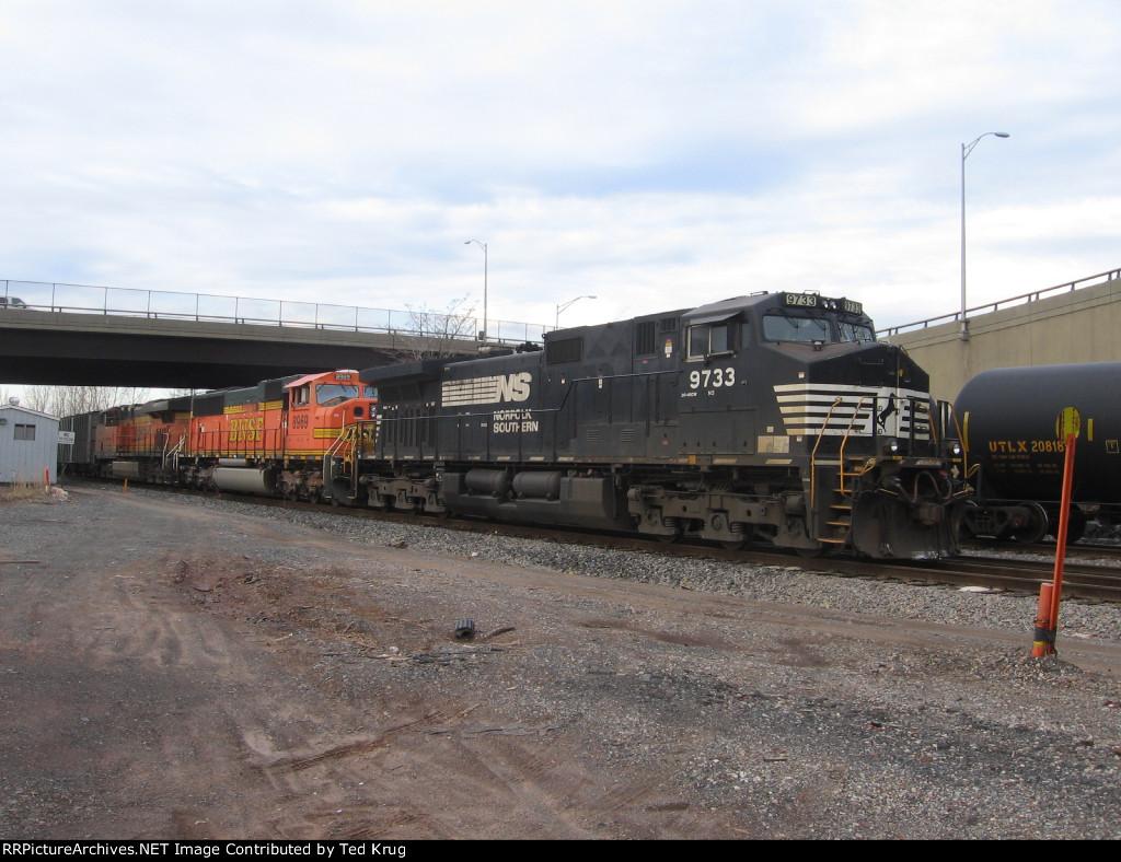NS 9733, BNSF 8969 & BNSF 7449
