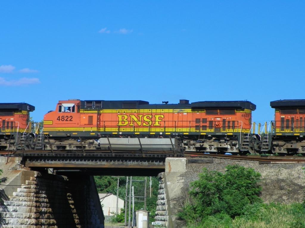 BNSF 4822