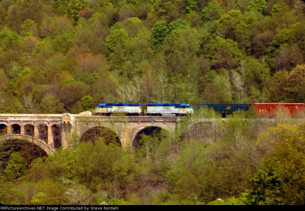 D&H SB-1 on Martins Creek Viaduct Near Nicholson, Pa.