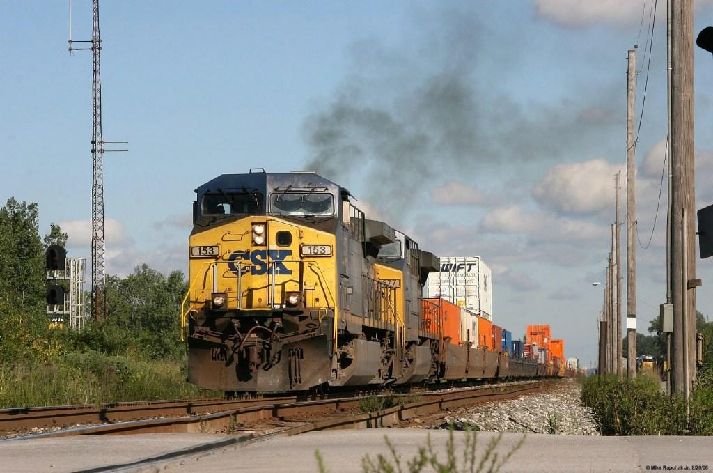 CSX 153 & 677