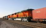 New BNSF ES44DCs