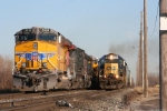 CSX 8444 Overtakes UP 5520