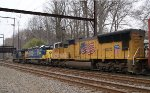 CSX Q438-09 With UP SD70M Heading East - 4/10/2011