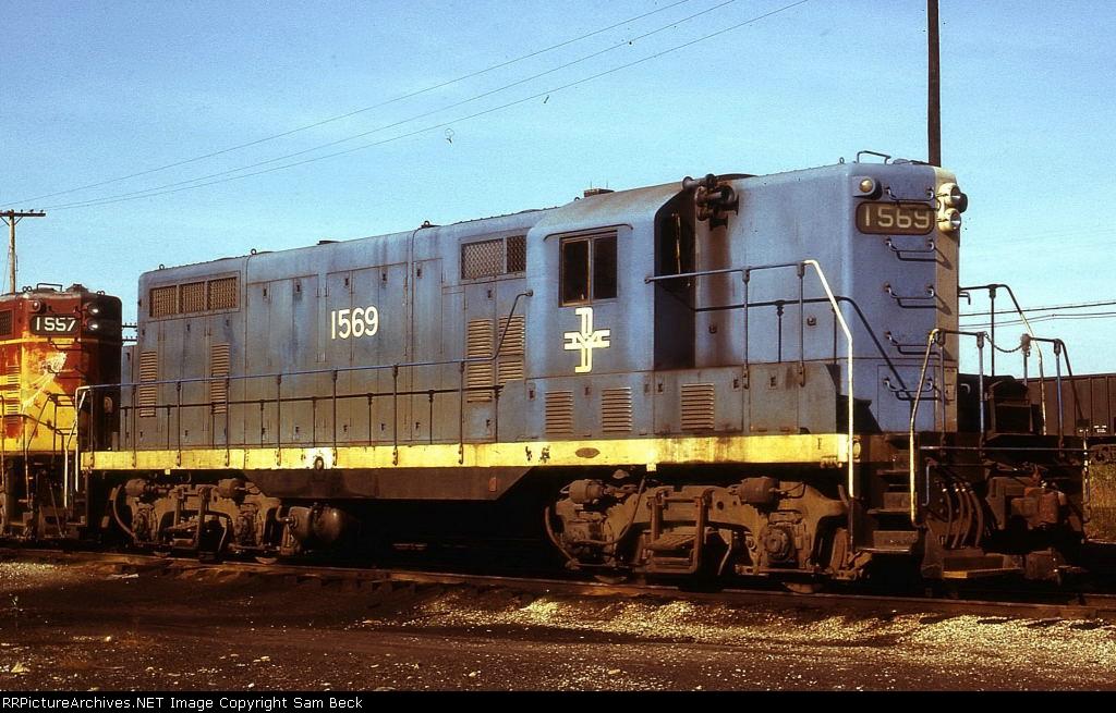 B&M 1569--GP7