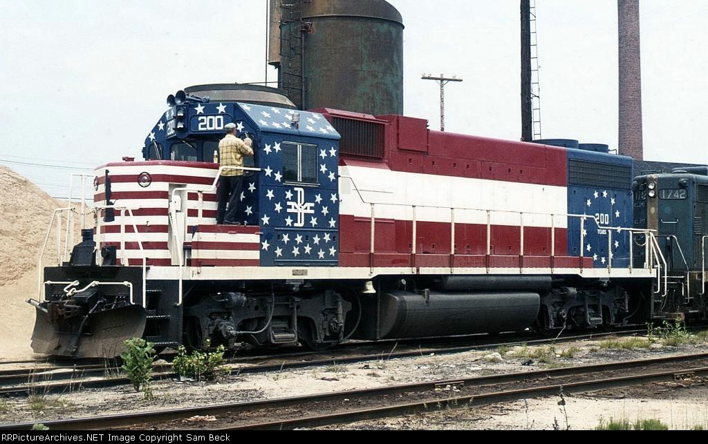 B&M 200--Bicentennial GP38-2