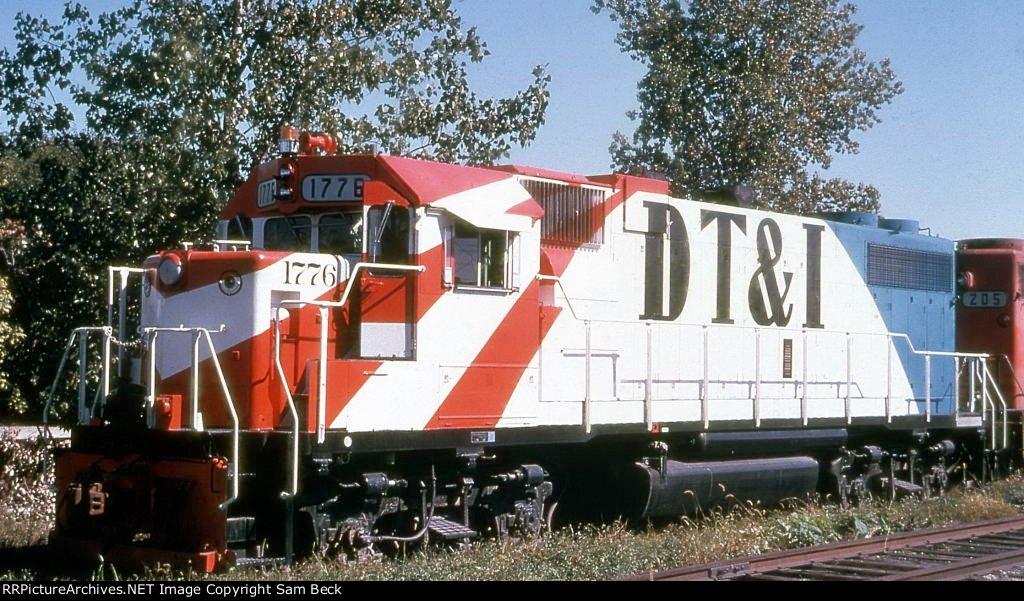 DT&I 1776--Bicentennial GP38-2