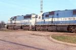 EMDX leading NB freight