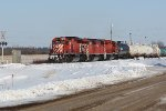 CP 5872 switching at CP's Scotford Yard